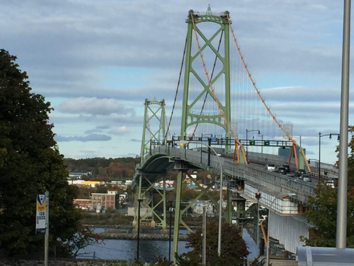 The Macdonald Bridge is a focal point in the Wanderers club crest.